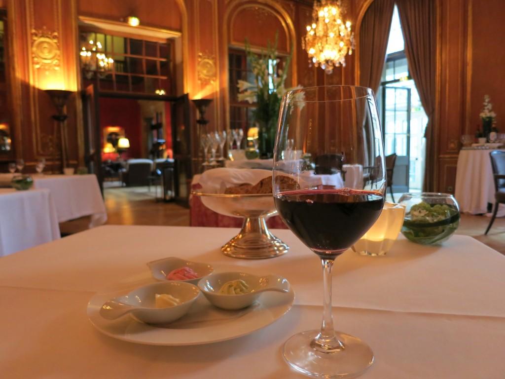 Red wine from the Pfalz at the Schlosshotel im Grunewald's Vivaldi restaurant